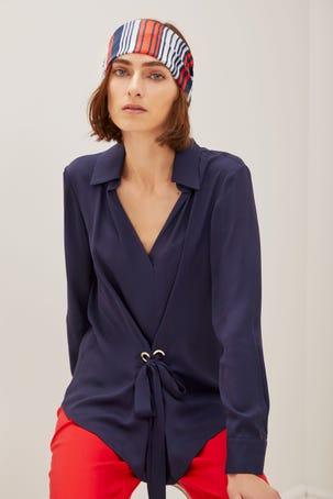 Blusa Azul Marino Con Lazo