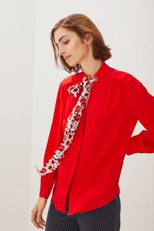 Blusa Roja Con Cinta De Flores