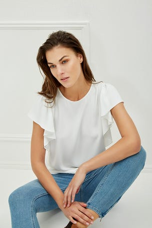 Blusa Blanca Manga Escarola