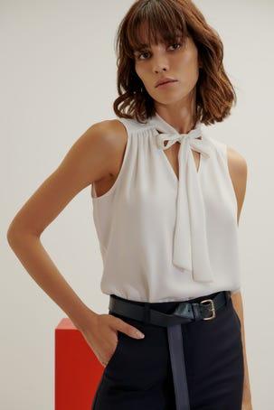 Blusa Blanca Con Cinta