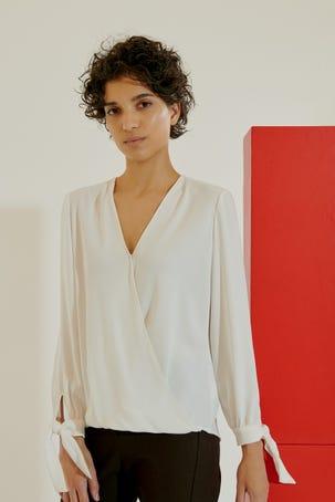 Blusa Blanca Cruce Drapeado