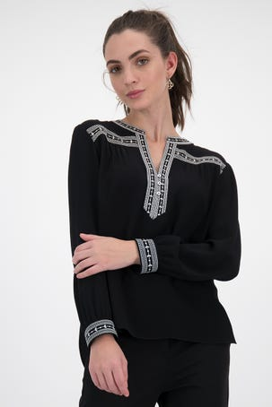 Blusa Negra Con Bordado