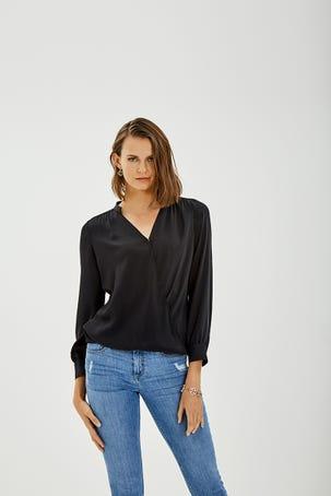 Camisa  Envolvente Negra