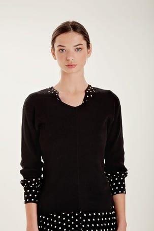 Suéter Negro Escote V