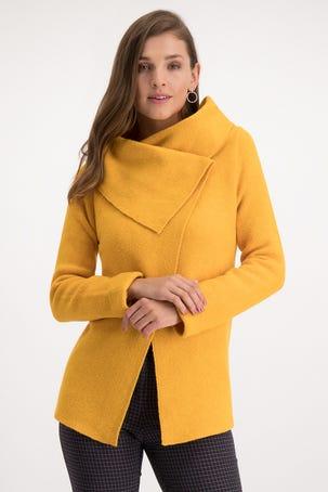 Suéter Tipo Capa Amarillo